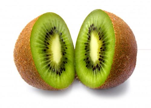 kiwi abierto por la mitad
