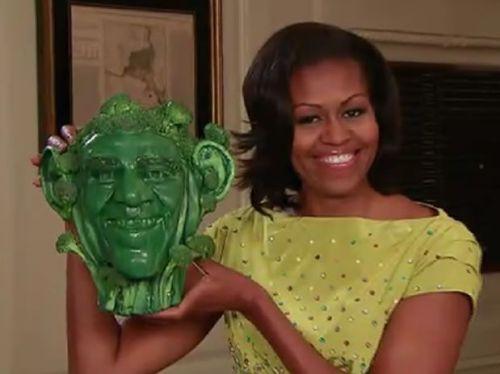 primera dama usa con cabeza de obama de brocoli