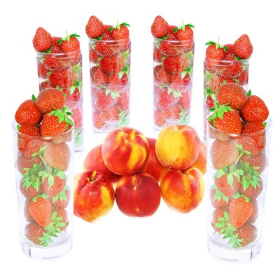 composición de fresas y duraznos