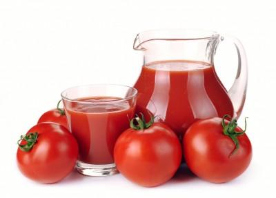 fruto de tomate y su zumo
