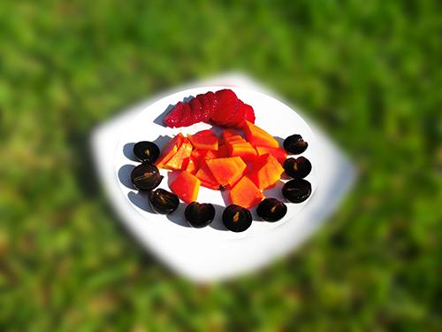 uva, fresa y papaya