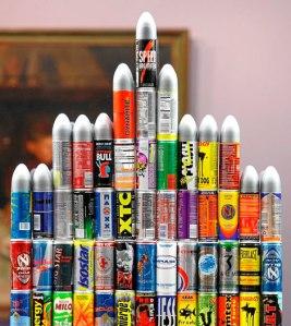 latas en forma de cohete