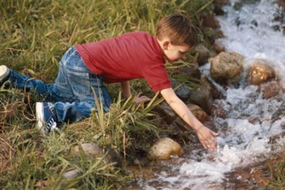 que enfermedades puede causar el consumo de agua contaminada